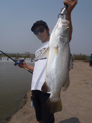 2013.02.14 BKK FISHING POND 028.jpg