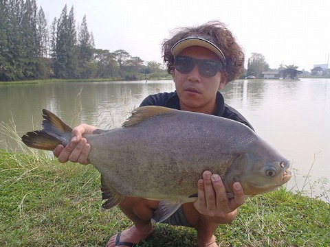 2013.02.14 BKK FISHING POND 097.jpg